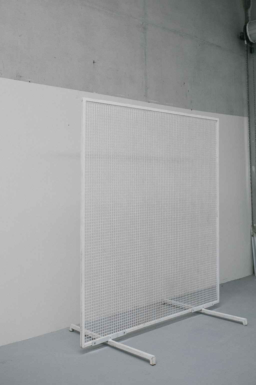Wire Mesh Backdrop Two Foxes Modern Furniture Rental And Event Styling